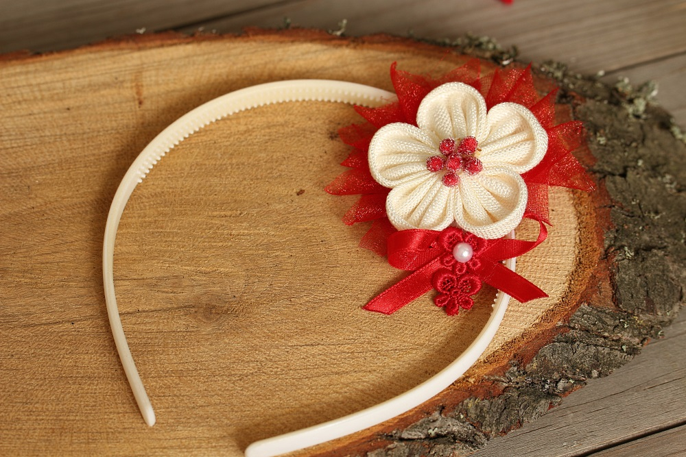 Диадема бяло и червено