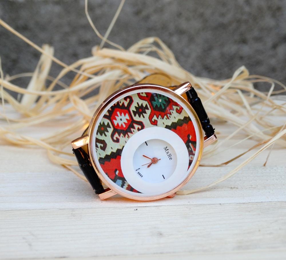 Часовник кука с канатица черен
