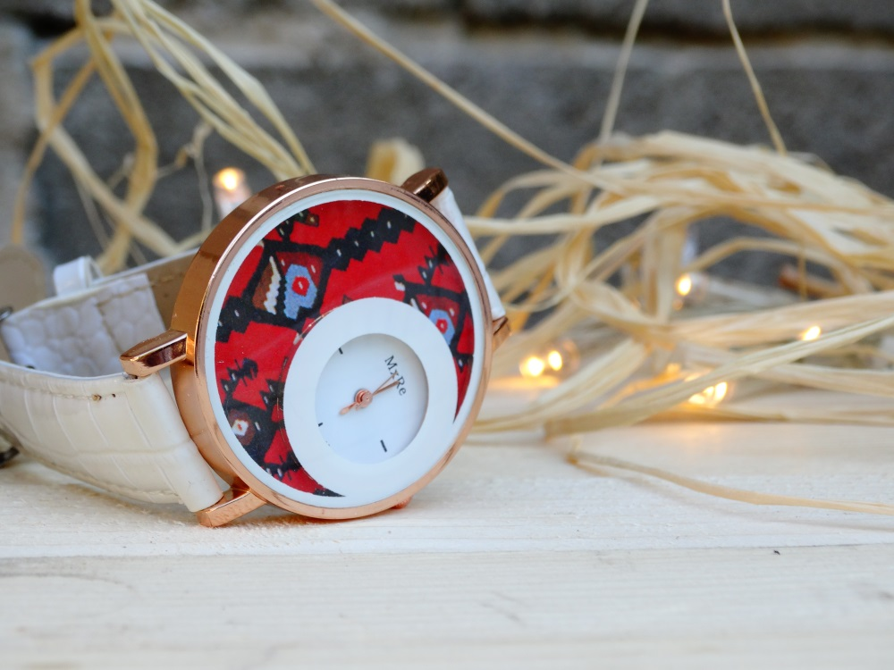 Часовник Пиле бял