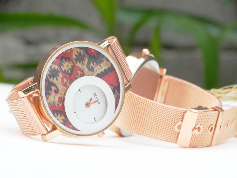 Часовник Кука с канатица