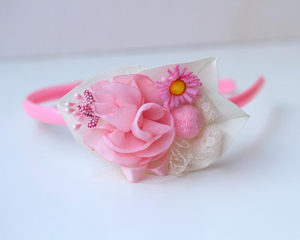 Диадема бяло и розово
