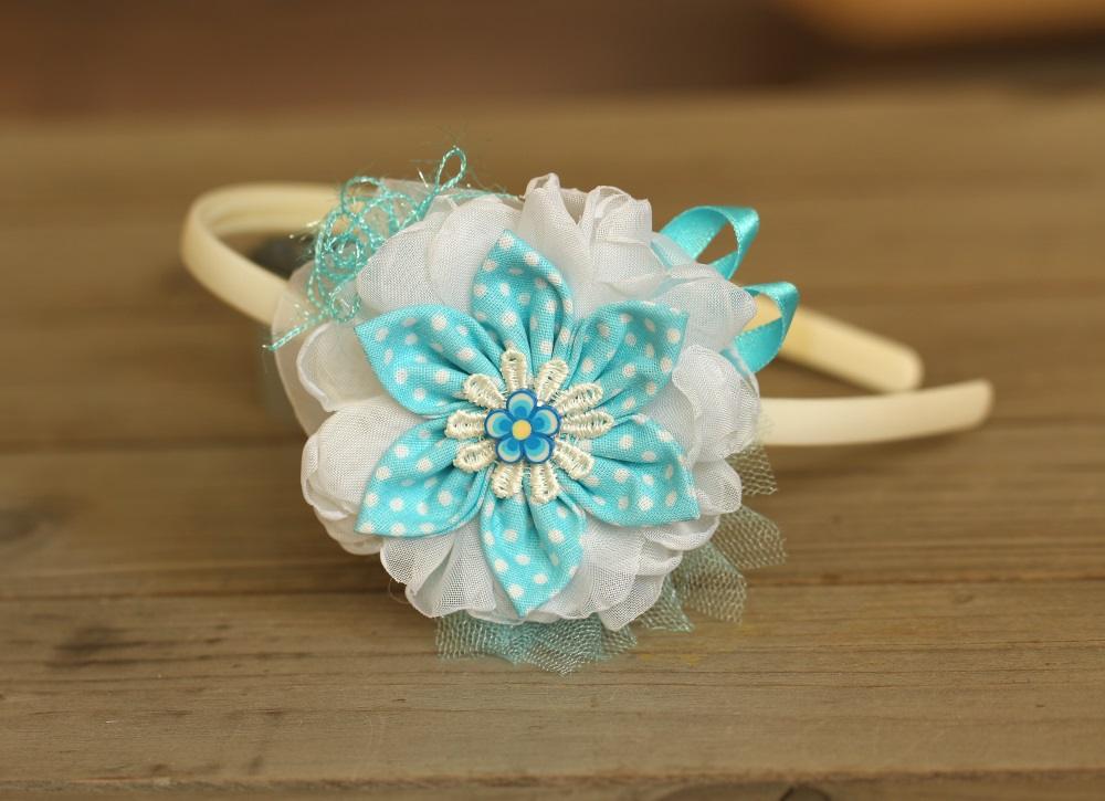 Диадема бяло и синьо