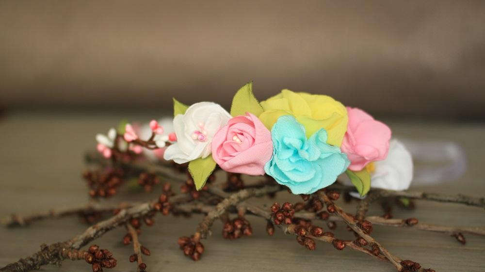 Венче за коса в пролетни цветове
