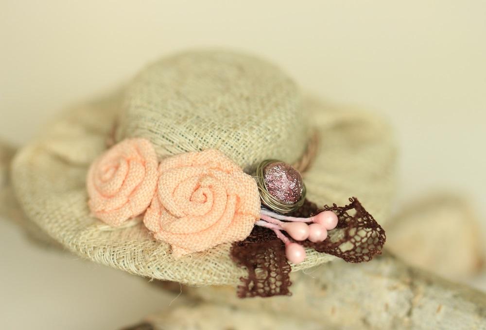 Ластична лента за бебе шапка бежово