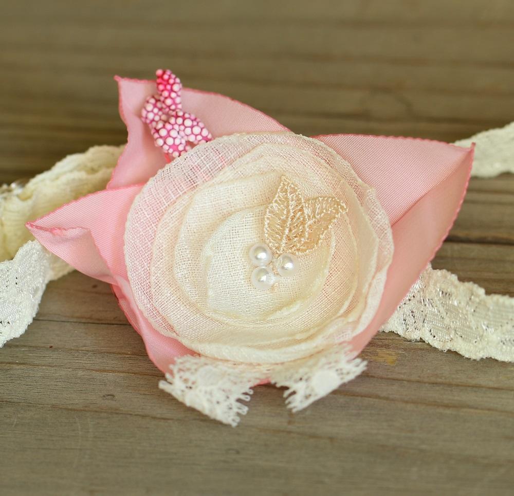 Нежна лента за бебе екрю и розово
