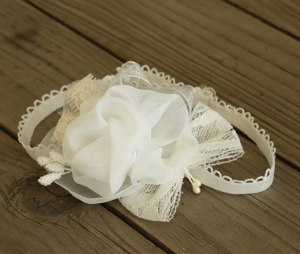 Бяла еластична лента за бебе