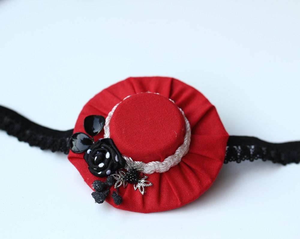 Лента червената шапчица