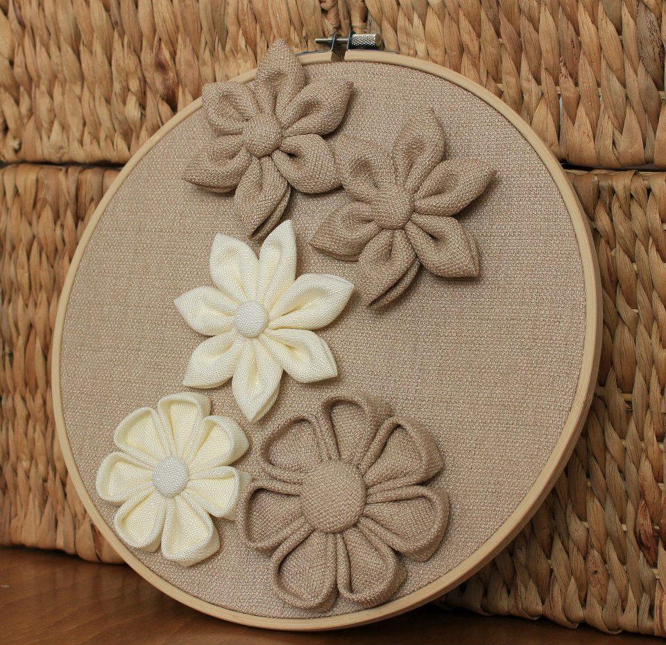 Пано за стена с цветя бежови