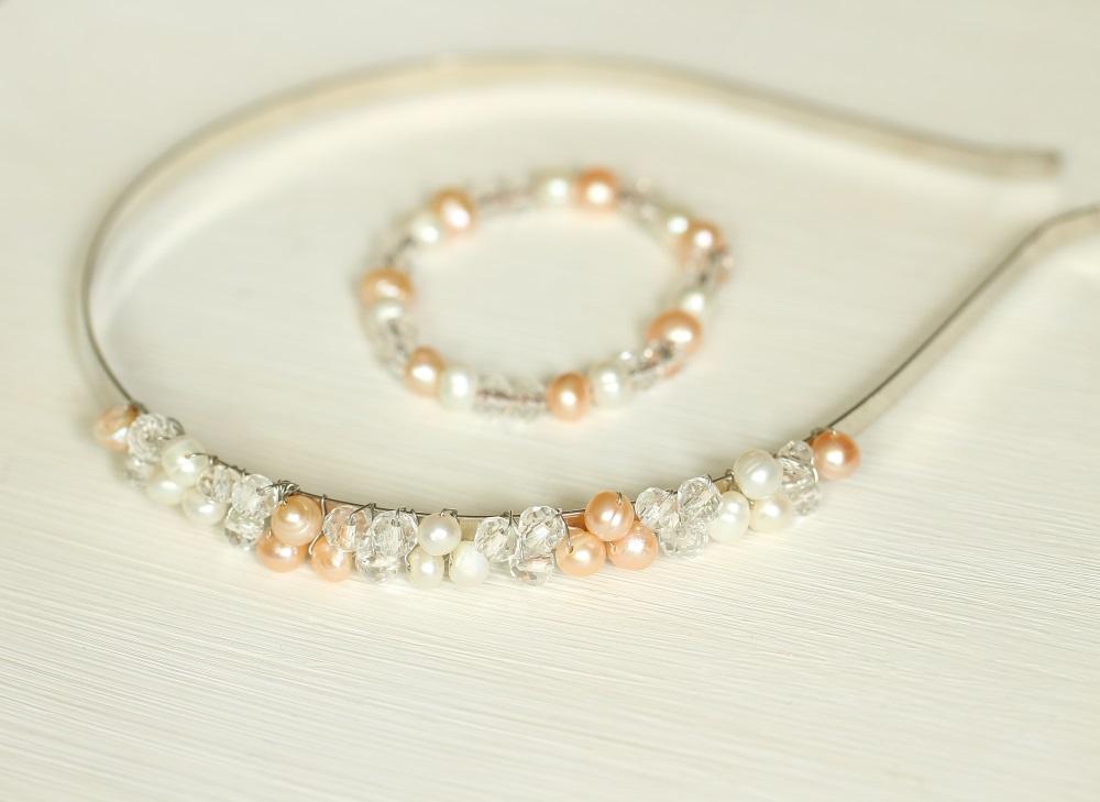Диадема и гривна с перли и кристали