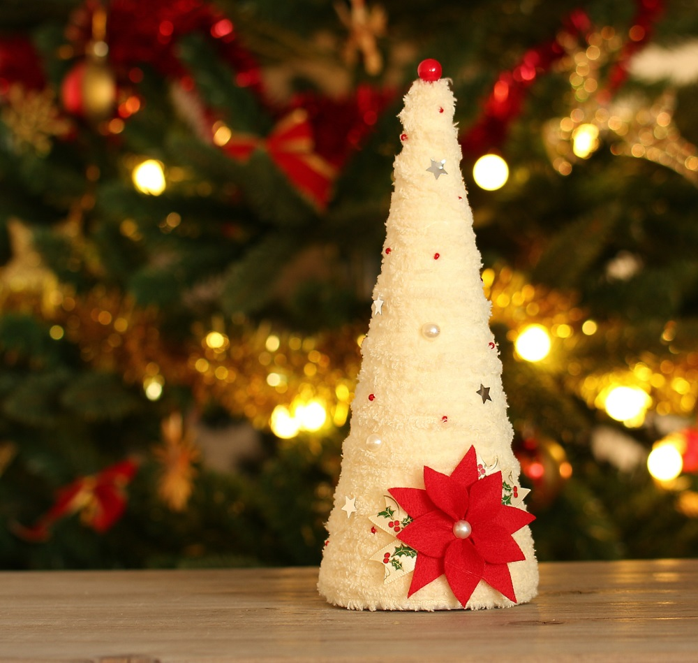 Коледна елхичка с коледна звезда