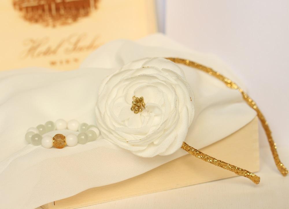 Комплект диадема с гривна златиста